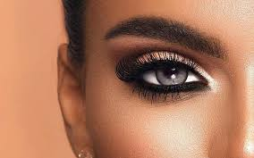 7 Things You Need To Know Before Trying Colored Contacts